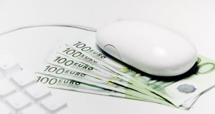 internet ve mobil bankacılık işlemleri, hem kullanıcılar için pratiktir, hem de bankaların iş yükünü hafiflettiği için maliyetlerini düşürmeye yardımcı olur.