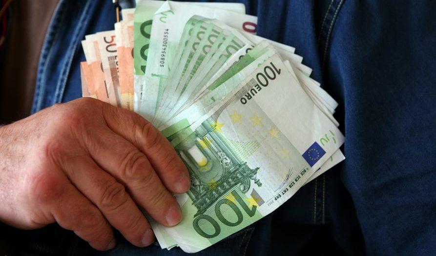 Tüm Kredi Borçlarını Tek Bankada Toplamak Avantajlı Mı?