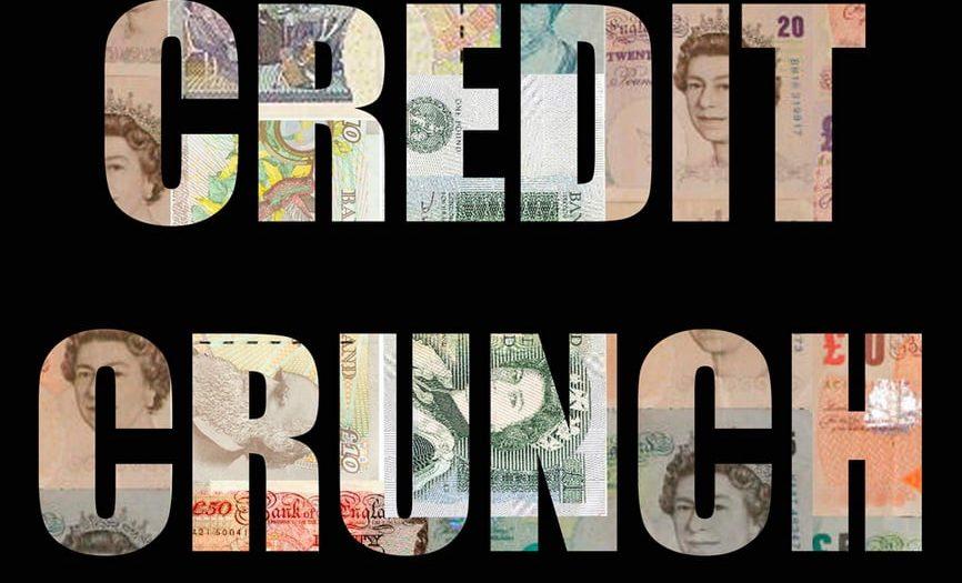 Çektiğiniz krediyi farklı nedenlerden dolayı yasal süreçlerinizde ödeyemediğiniz için yasal takibe girdiğiniz zaman otomatik olarak bankaların riskli müşteri statüsüne tabi olursunuz.
